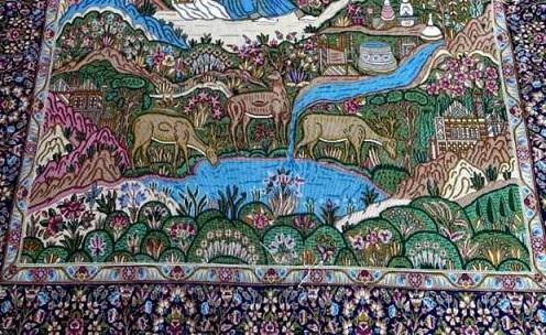 هنرمندان منوجانی برای نخستین بار فرش ابریشمی بافتند