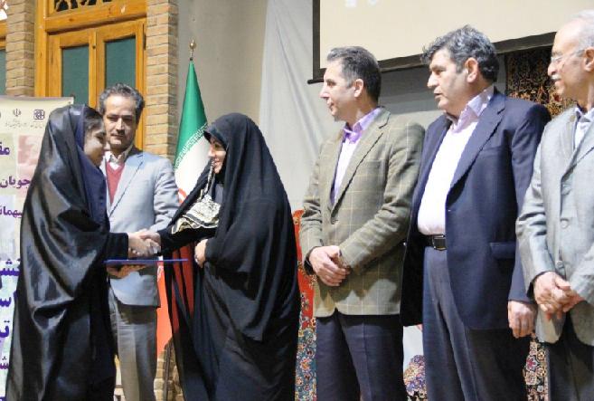 سیزدهمین المپیاد فرش دستباف ایران منتخبین خود را برگزید.