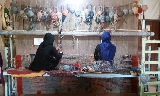 بانوی هنرمند و کارآفرین اسدآبادی در انتظار حمایت مسئولان