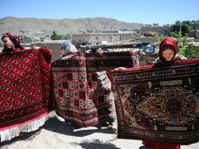 مرزنشینان خراسان شمالی بافت فرش را آموزش میبینند