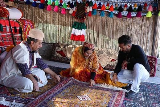 بهمنبیگی الگوی برپایی کارگاه قالی بافی دختران عشایر در فیروزآباد شد