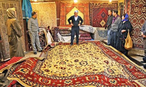 همراهی و همکاری بخش خصوصی فرش دستباف استان آذربایجان شرقی در تحقق شعار سال