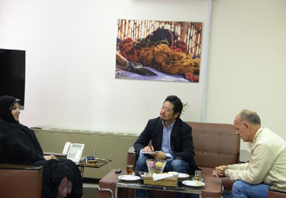 گفت و گویی فرشی با روزنامه ای ژاپنی