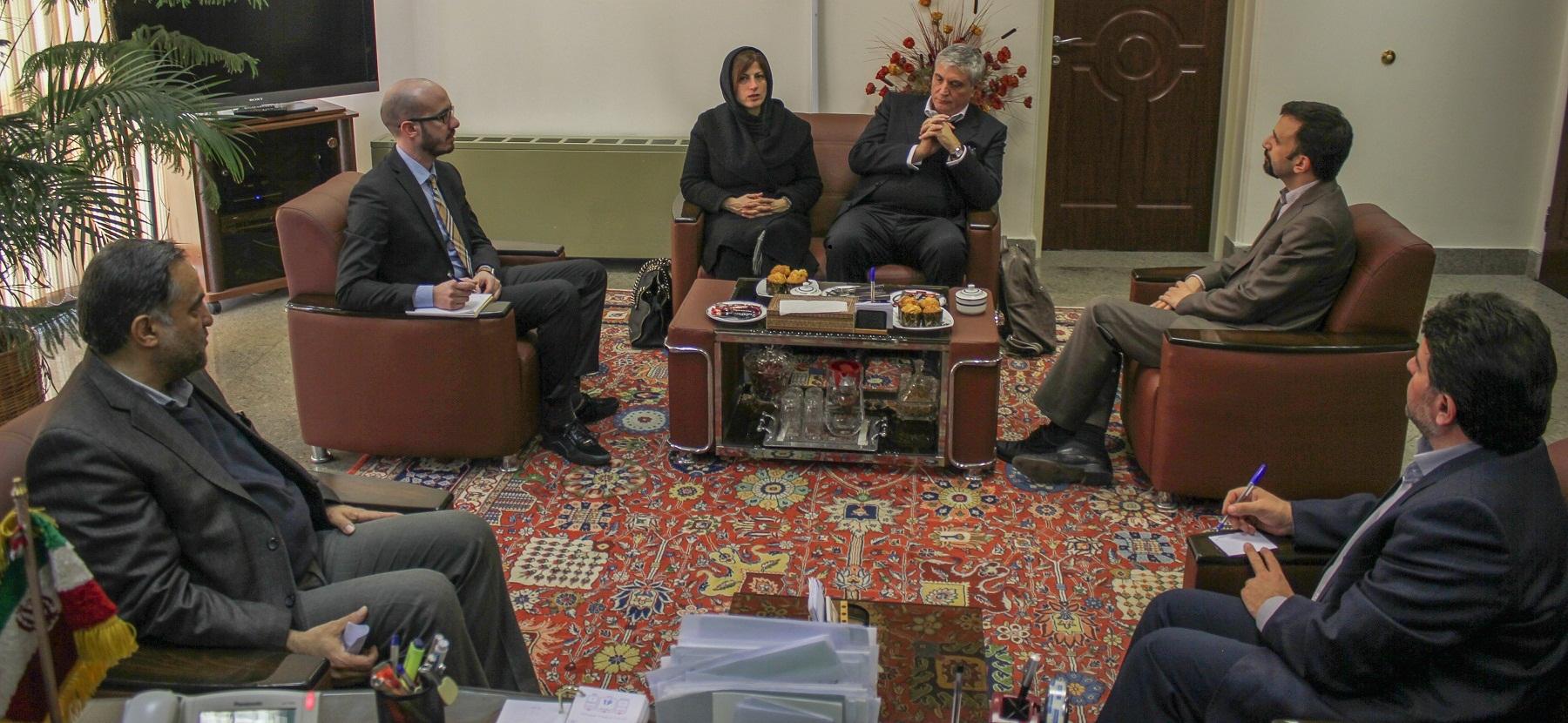 فراهم سازی مقدمات حضور موثر فرش ایران در میلان