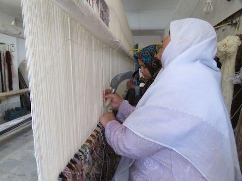 ۳۶ هزار مترمربع فرش دستباف در درمیان تولید شد