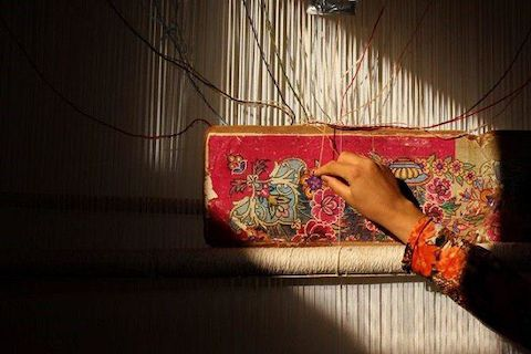 بافت ۱۲۰۰ تخته فرش توسط مددجویان کرمانی