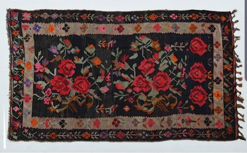 قالی بافان نقشههای قدیمی از فرشهای دستباف را تحویل دهند