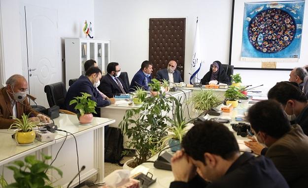 رییس مرکز ملی فرش ایران اعلام کرد: تدوین 15 برنامه عملیاتی برای سال جهش تولید/ نگاه ویژه به ظرفیتها و توانمندیهای بخش خصوصی/ ضرورت ایجاد پایانه های صادراتی فرش دستباف