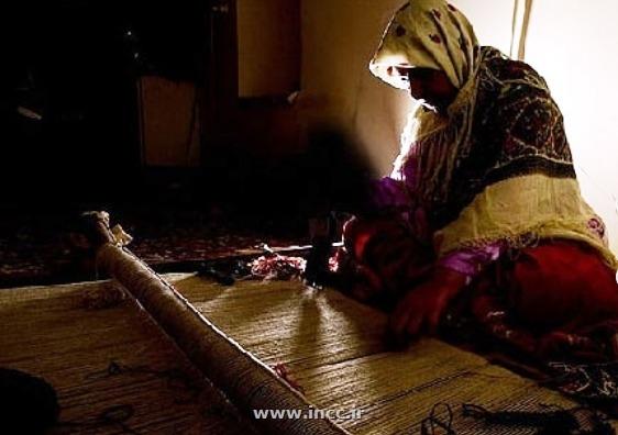 رئیس مرکز ملی فرش ایران اعلام کرد/ کارت مهارت قالی بافان نیاز به تمدید ندارد