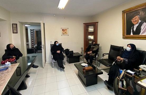 بازدید رییس مرکز ملی فرش ایران از مجتمع رسام عرب زاده