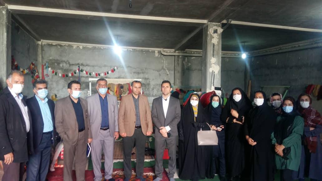 برای اولین بار بازدید میدانی از قالی بافان درشهرستان باغملک باحضوررییس مرکزفرش ایران