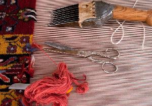 خود کفایی و ایجاد شغل ۱ هزار و ۵۰۰ نفر با راه اندازی کارگاه قالیبافی خانگی شهرستان مهاباد