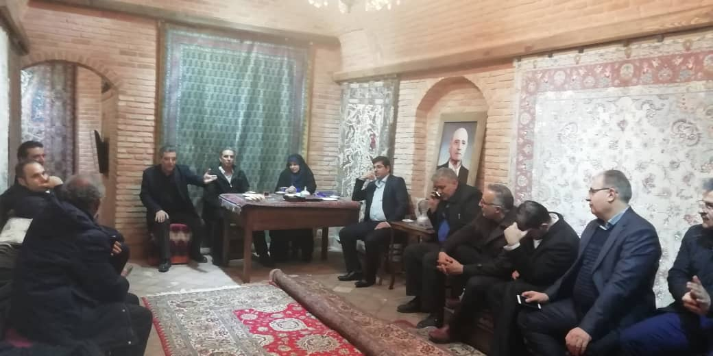 پای حرف بازرگانان فرش دستباف در دیدار رئیس مرکز ملی فرش از تبریز