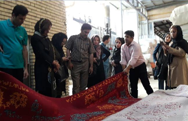 بازدید تولید کنندگان فرش لرستان از  کارگاه های رنگرزی و قالی شویی تبریز