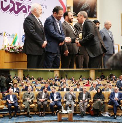 حضور رییس مجلس شورای اسلامی و ۷ وزیر و عضو هیات دولت در مراسم روز ملی صنعت و معدن  