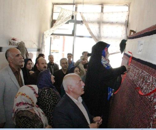 بازدید رئیس مرکز ملی فرش ایران از چند کارگاه قالی بافی استان آذربایجان