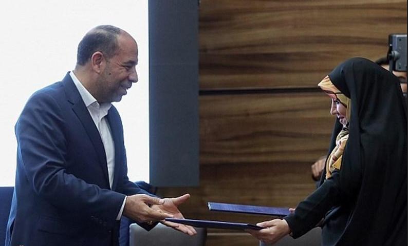 امضاء تفاهم نامه فرش دستباف هم زمان با سفر رئیس جمهور به استان خراسان شمالی