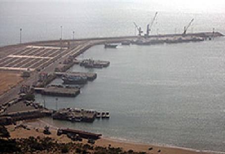سیریک به دروازه صادرات غیرنفتی با کشورهای همسایه تبدیل می شود