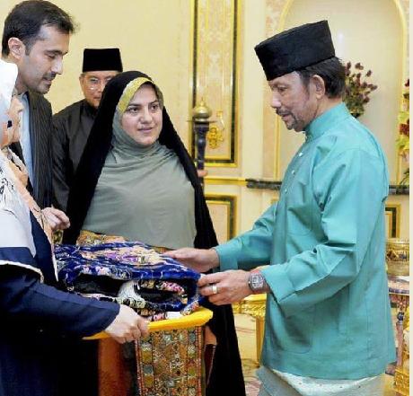 سفیر جدید ایران در بروئنی دار السلام، با پادشاه این کشور دیدار کرد