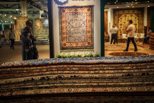 برگزاری بزرگترین نمایشگاه تخصصی فرش دستباف جهان، سوم تا نهم شهریورماه در تهران/از نمایش فرآیند تولید فرش تا آیین انتخاب فرش های برتر و تکریم بانوان کارآفرین حوزه فرش در این نمایشگاه