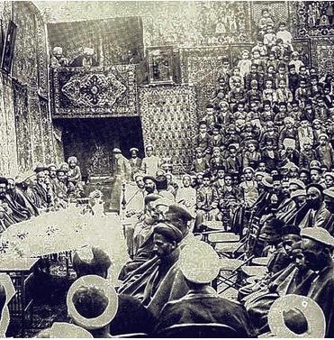فرش دستباف در جشن مدرسه مشیریه (بدر) در یزد