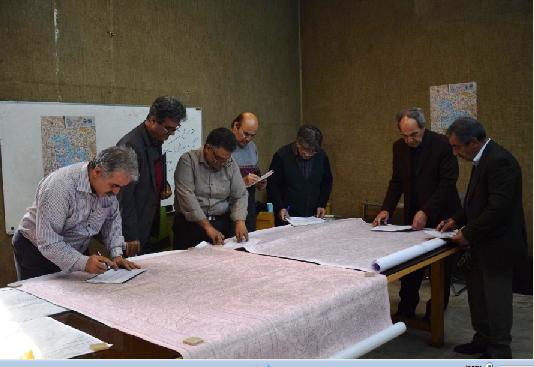 داوری چهارمین مسابقه ملی طرح و نقشه فرش دستباف ایران در برگزار شد
