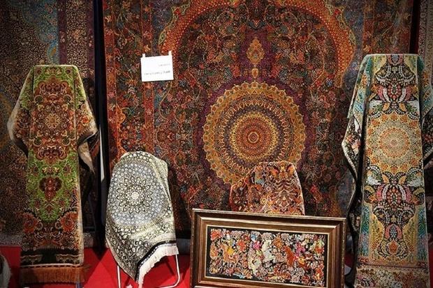 3200مترمربع فرش دستباف از تکاب صادر شد