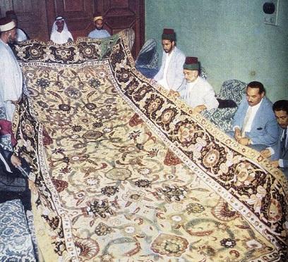 قالی زیبای اهدایی شاه عباس صفوی به حرم امام علی (ع)