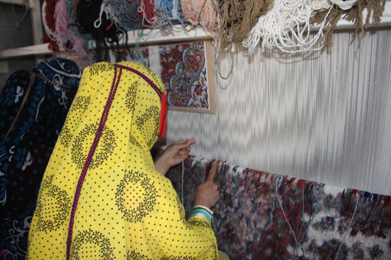 برگزاری ۱۴۰۰ نفر ساعت آموزش فرش بافی در هرمزگان
