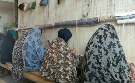 ترویج و احیای سنت ملی قالیبافی در دهکده فرش روستای مرندیز بجستان