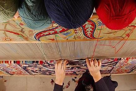 ۲۳۰۴ مترمربع فرش دستباف در استان خراسان جنوبی بافته شد